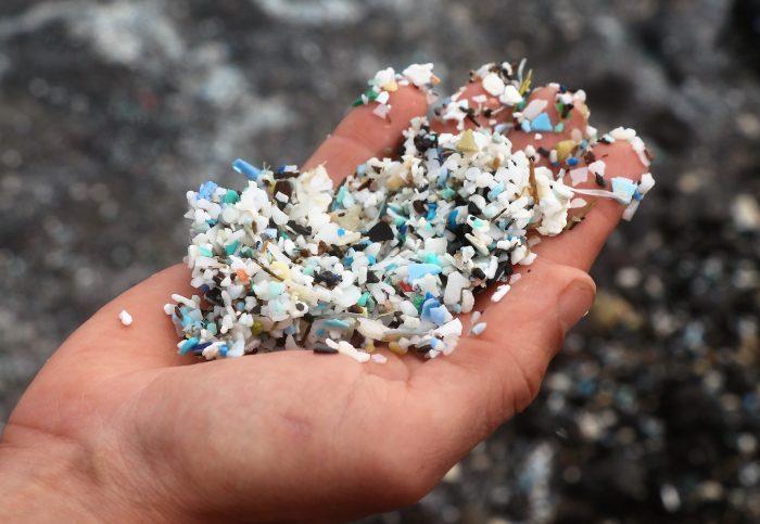 plastikhånd Foto Plastic Change Erica Cirino